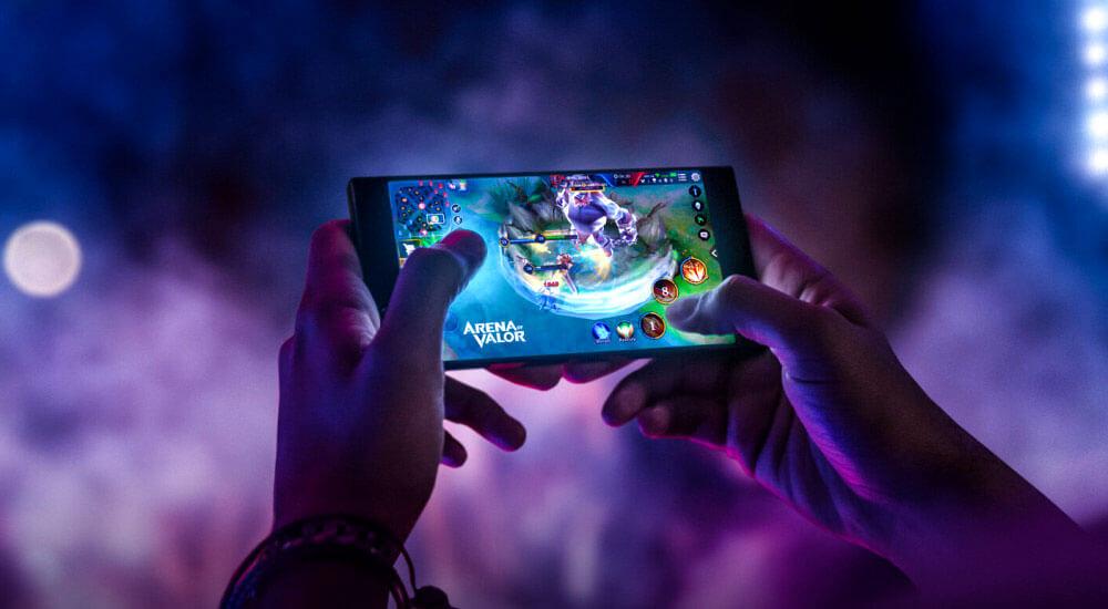 معرفی چند مدل از بهترین گوشی های میان رده برای بازی 2021